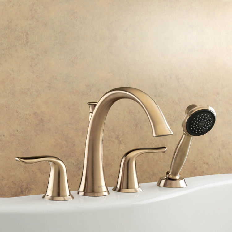 Delta T4738 Cz Lahara Roman Tub Faucet With Handshower In Champagne